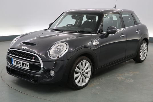 Mini Hatchback 2.0 Cooper S 5dr [Chili Pack] Exterior 1