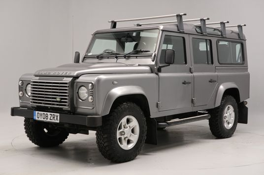 Land Rover Defender XS Station Wagon TDCi Exterior 1