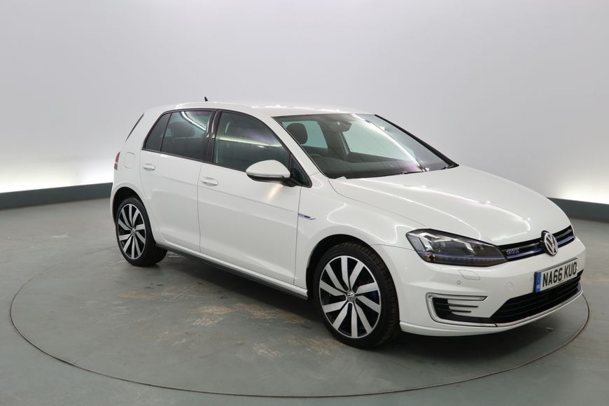 Used Volkswagen Golf 1 4 Tsi Gte 5dr Dsg White Hatchback For Sale